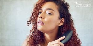 برای حفاظت از موها بهآرامی شانه بزنید